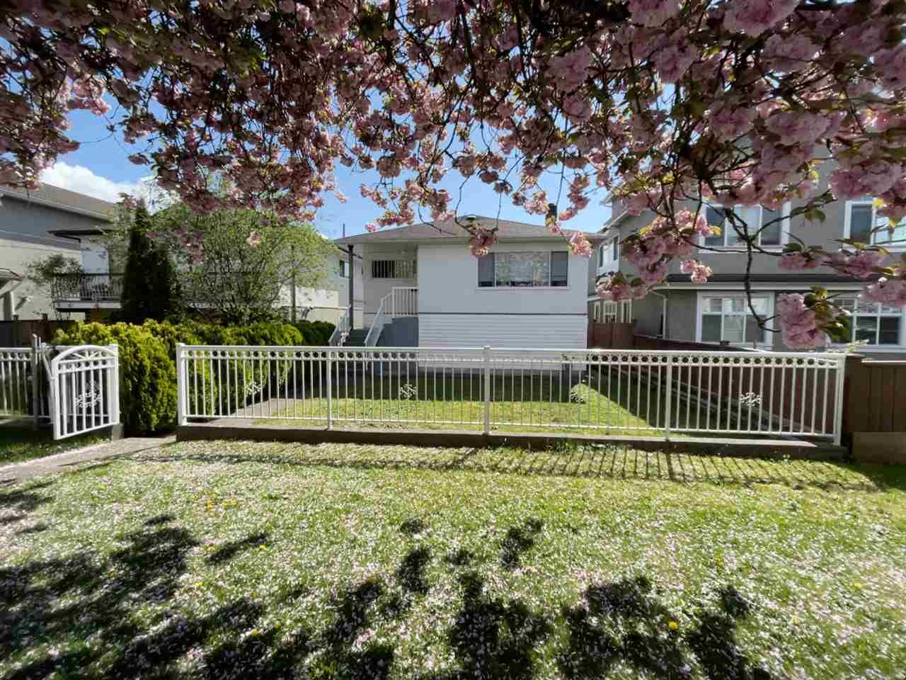 Main Photo: 3016 HORLEY Street in Vancouver: Collingwood VE House for sale (Vancouver East)  : MLS®# R2572370