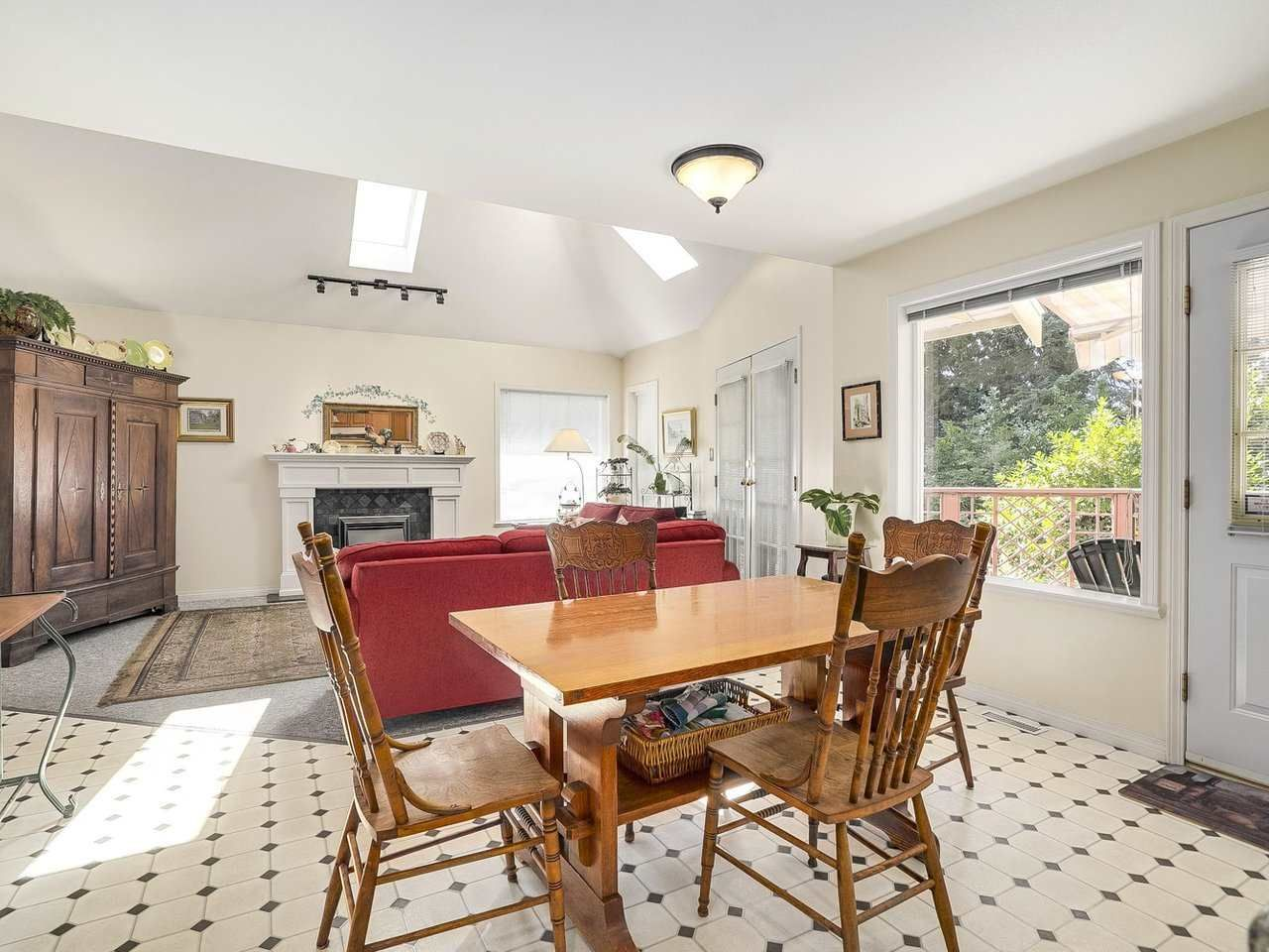 Photo 5: Photos: 1788 GORDON Avenue in West Vancouver: Ambleside House for sale : MLS®# R2207715