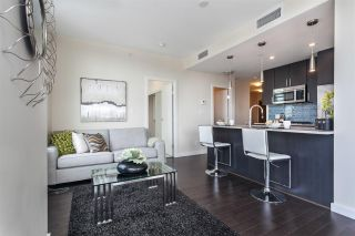 """Photo 12: 908 38 W 1ST Avenue in Vancouver: False Creek Condo for sale in """"THE ONE"""" (Vancouver West)  : MLS®# R2164655"""