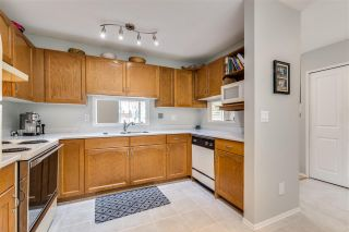 """Photo 3: 12 6140 192 Street in Surrey: Cloverdale BC Townhouse for sale in """"ESTATES AT MANOR RIDGE"""" (Cloverdale)  : MLS®# R2473669"""