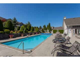 """Photo 17: 117 9012 WALNUT GROVE Drive in Langley: Walnut Grove Townhouse for sale in """"Queen Anne Green"""" : MLS®# R2184552"""