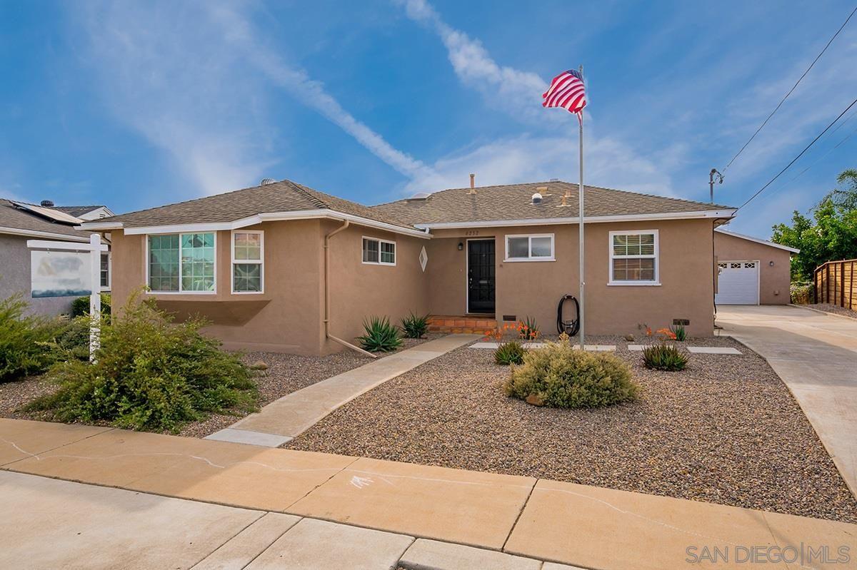 Main Photo: DEL CERRO House for sale : 3 bedrooms : 6232 Winona Ave in San Diego