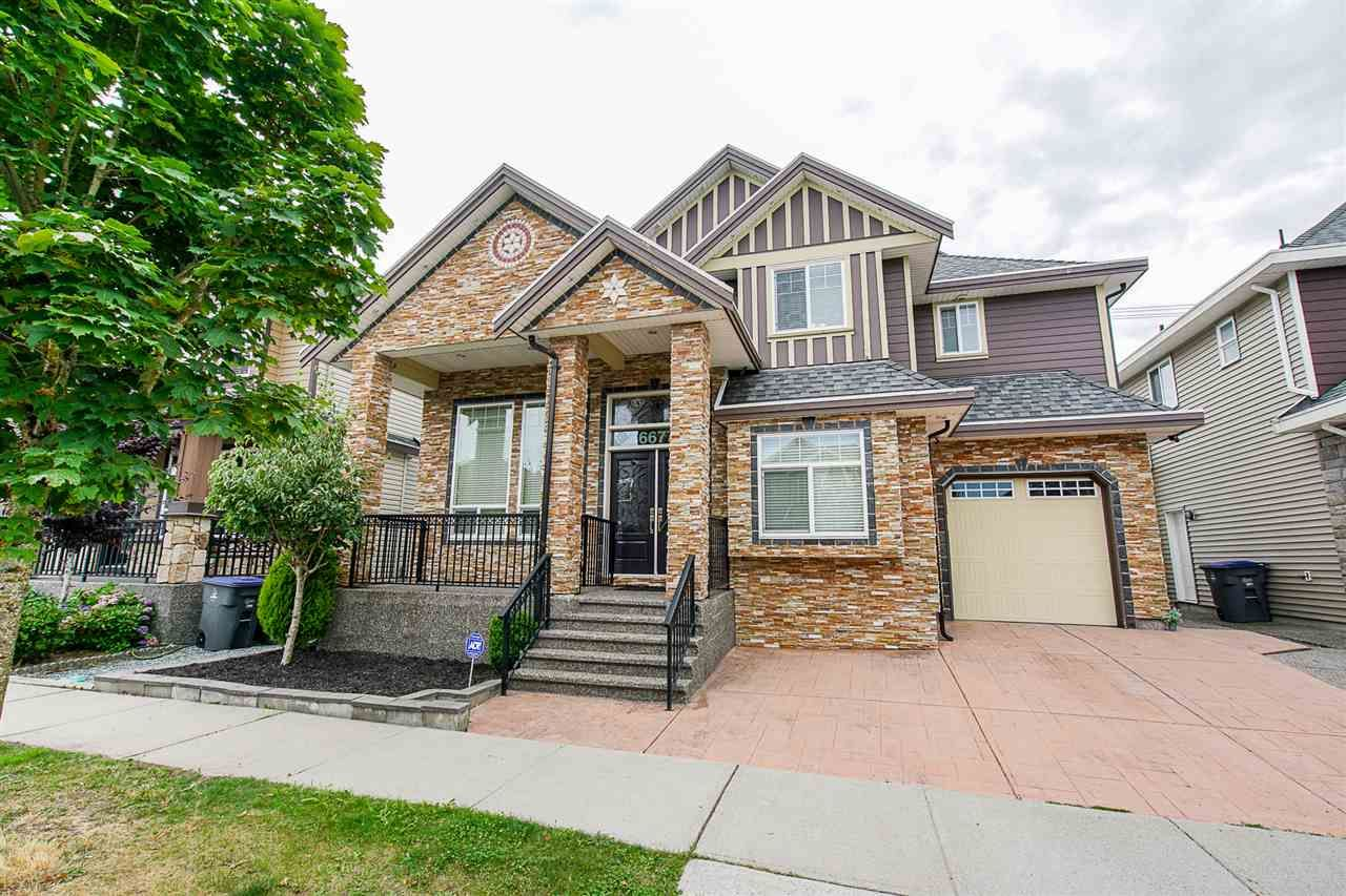 """Main Photo: 6677 125A Street in Surrey: West Newton House for sale in """"WEST NEWTON"""" : MLS®# R2421355"""