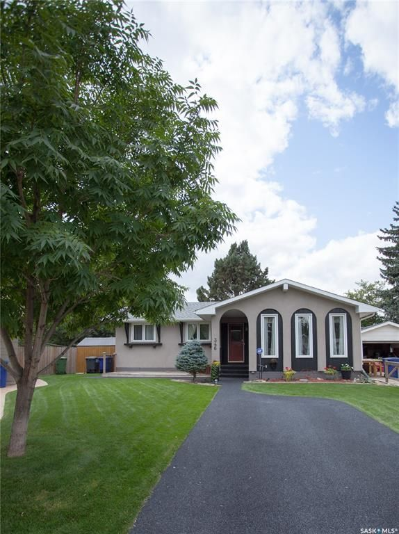 Main Photo: 346 Balsam Crescent in Saskatoon: Forest Grove Residential for sale : MLS®# SK867926