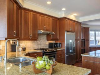 Photo 6: 202 9959 Third St in : Si Sidney North-East Condo for sale (Sidney)  : MLS®# 882657