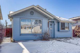 Main Photo: 7 Castlegrove Road NE in Calgary: Castleridge Detached for sale : MLS®# A1072638