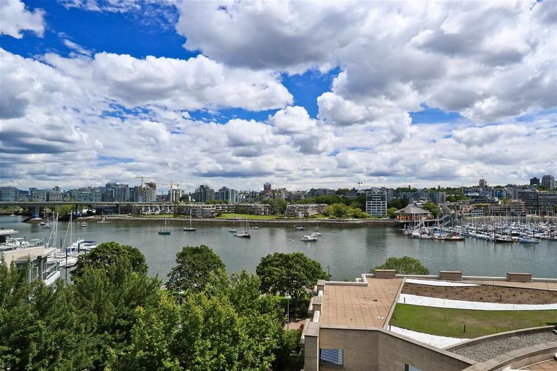 FEATURED LISTING: 705 - 1328 MARINASIDE Crescent Vancouver