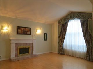 Photo 2: 6171 DANUBE RD in Richmond: Woodwards House for sale : MLS®# V1052585