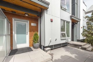 Photo 2: 2203 SOUTHSIDE Drive in VANCOUVER: South Marine Townhouse for sale : MLS®# r2399109