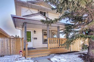Photo 1: 211 Doverglen Crescent SE in Calgary: Dover Detached for sale : MLS®# A1060305