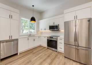 Photo 11: 416 Willow Park Drive SE in Calgary: Willow Park Detached for sale : MLS®# A1145511
