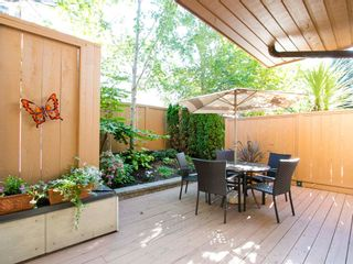 """Photo 7: 104 1930 W 3RD Avenue in Vancouver: Kitsilano Condo for sale in """"THE WESTVIEW"""" (Vancouver West)  : MLS®# R2099750"""