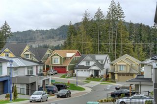Photo 9: 1215 Bombardier Cres in Langford: La Westhills House for sale : MLS®# 817906
