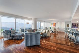 """Photo 10: 3706 1011 W CORDOVA Street in Vancouver: Coal Harbour Condo for sale in """"Fairmont Residences"""" (Vancouver West)  : MLS®# R2597737"""