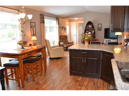Main Photo: 46 2780 Spencer Rd in VICTORIA: La Goldstream Manufactured Home for sale (Langford)  : MLS®# 697284