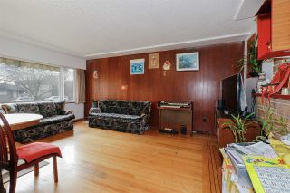 Photo 3: 2451 McGill Street in Vancouver: Hastings Sunrise House for sale (Vancouver East)  : MLS®# R2438285