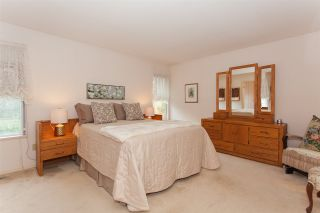 """Photo 13: 18589 62 Avenue in Surrey: Cloverdale BC House for sale in """"Eaglecrest"""" (Cloverdale)  : MLS®# R2208241"""