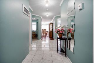 """Photo 4: 111 33731 MARSHALL Road in Abbotsford: Central Abbotsford Condo for sale in """"Stephanie Place"""" : MLS®# R2617316"""