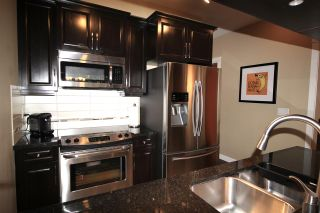 """Photo 7: 122 8288 207A Street in Langley: Willoughby Heights Condo for sale in """"YORKSON CREEK"""" : MLS®# R2212357"""