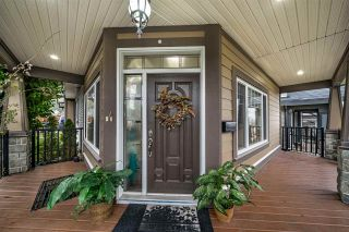 Photo 2: 6101 148 Street in Surrey: Sullivan Station House for sale : MLS®# R2430778