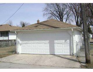Photo 2: 540 SYDNEY Avenue in WINNIPEG: East Kildonan Residential for sale (North East Winnipeg)  : MLS®# 2805398
