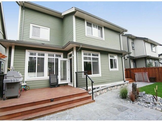 Photo 15: Photos: 17290 1ST AV in Surrey: Pacific Douglas House for sale (South Surrey White Rock)  : MLS®# F1424091