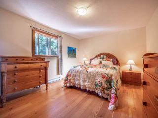 """Photo 20: 13702 CAMP BURLEY Road in Garden Bay: Pender Harbour Egmont House for sale in """"Mixal Lake"""" (Sunshine Coast)  : MLS®# R2485235"""