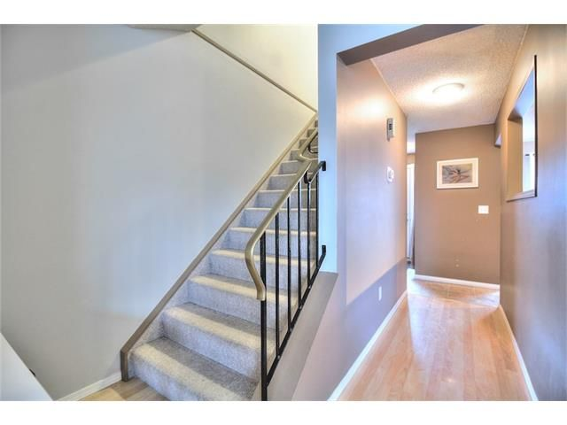 Photo 8: Photos: 108 SHAWGLEN Road SW in Calgary: Shawnessy House for sale : MLS®# C4038520
