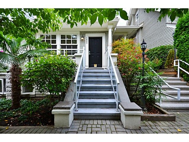 """Main Photo: 1803 NAPIER Street in Vancouver: Grandview VE Townhouse for sale in """"Salsbury Heights"""" (Vancouver East)  : MLS®# V1046669"""