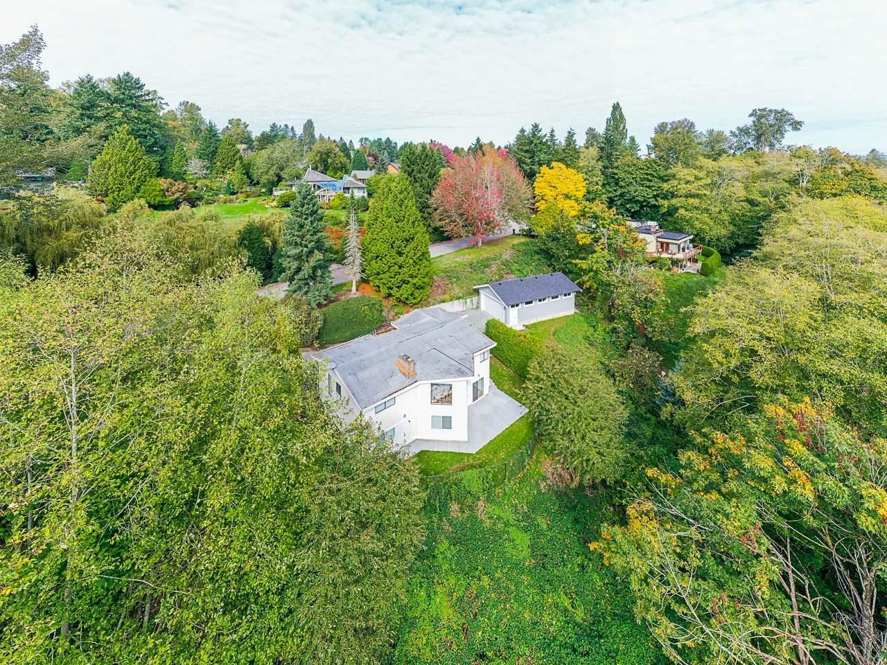 """Main Photo: 1830 REDWOOD Drive in Surrey: Hazelmere House for sale in """"REDWOOD PARK"""" (South Surrey White Rock)  : MLS®# R2624672"""