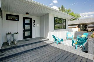 Photo 3: 32 Kirby Place SW in Calgary: Kingsland Detached for sale : MLS®# A1143967