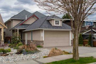 """Photo 1: 4719 DUNFELL Road in Richmond: Steveston South House for sale in """"THE DUNS"""" : MLS®# R2154381"""