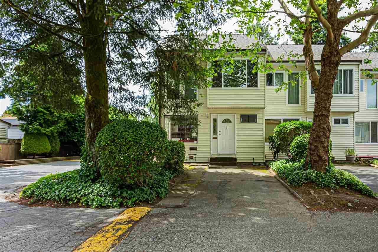 """Main Photo: 1 9320 128 Street in Surrey: Queen Mary Park Surrey Townhouse for sale in """"SURREY MEADOWS"""" : MLS®# R2475340"""