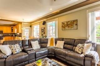 Photo 10: 8242 167A Street in Surrey: Fleetwood Tynehead House for sale : MLS®# R2481741
