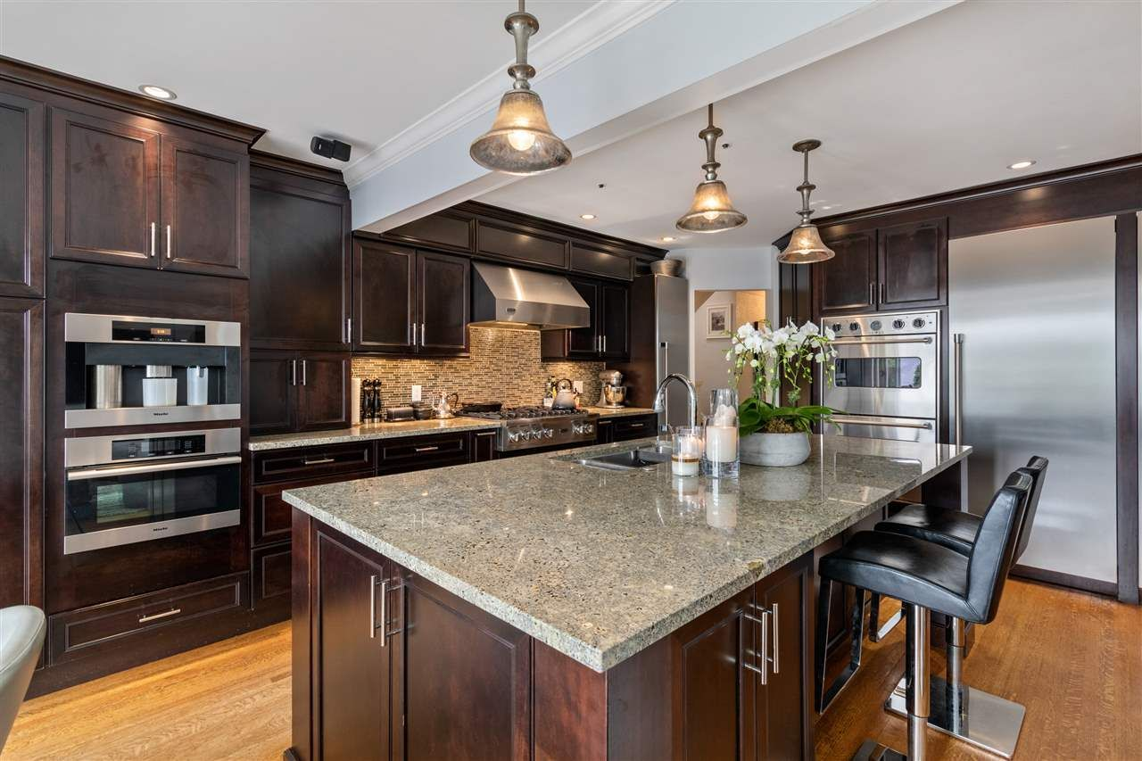 Main Photo: 2590 W KING EDWARD AVENUE in Vancouver: Quilchena House for sale (Vancouver West)  : MLS®# R2511754