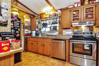 """Photo 8: 33 2305 200 Street in Langley: Brookswood Langley Manufactured Home for sale in """"Cedar Lane Park"""" : MLS®# R2465102"""