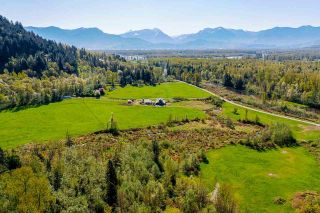 Photo 3: 11425 HODGKIN Road in Mission: Lake Errock House for sale : MLS®# R2571534