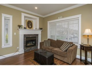 Photo 3: 19545 71A AVENUE in Surrey: Clayton House for sale (Cloverdale)  : MLS®# R2048455