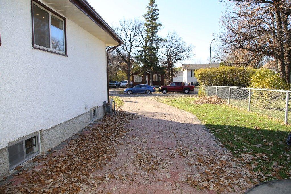 Photo 46: Photos: 407 Wallasey Street in WINNIPEG: Grace Hospital Area Single Family Detached for sale (West Winnipeg)  : MLS®# 1426170