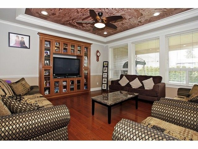 Photo 5: Photos: 9730 153A Street in Surrey: Guildford House for sale (North Surrey)  : MLS®# F1409130