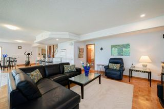 Photo 35: 27 Strathlorne Bay SW in Calgary: Strathcona Park Detached for sale : MLS®# A1120430