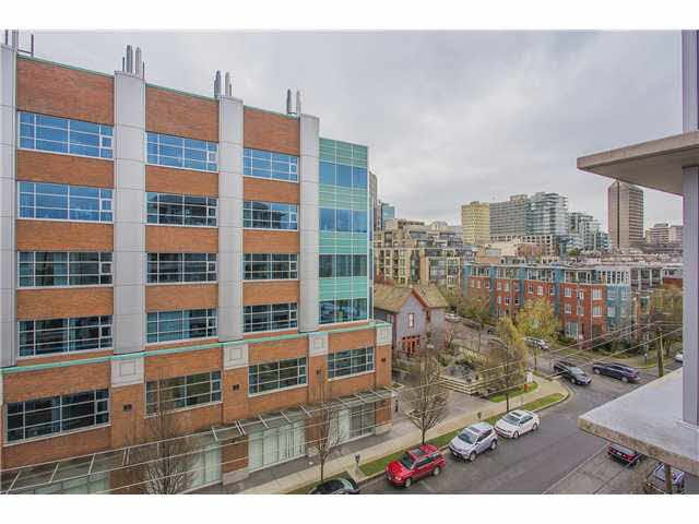 """Photo 15: Photos: 702 587 W 7TH Avenue in Vancouver: Fairview VW Condo for sale in """"AFFINITI"""" (Vancouver West)  : MLS®# V1118328"""