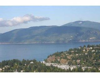 Photo 1: 4673 Woodburn Rd in West Vancouver: Cypress Park Estates House for sale : MLS®# V606882