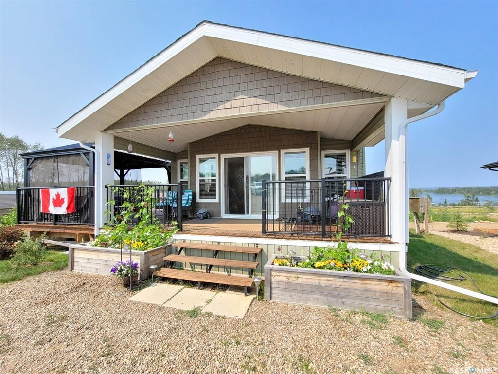 Main Photo: 522 Diamond Willow Drive in Lac Des Iles: Residential for sale : MLS®# SK864082