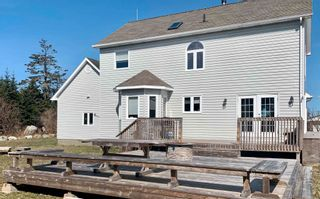 Photo 5: 74 Woodland Street in Clark's Harbour: 407-Shelburne County Residential for sale (South Shore)  : MLS®# 202109109
