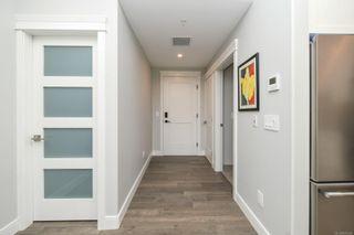 Photo 2: 202 1700 Balmoral Ave in : CV Comox (Town of) Condo for sale (Comox Valley)  : MLS®# 875549