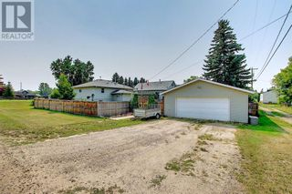 Photo 2: 4904 50 Avenue in Mirror: House for sale : MLS®# A1133039
