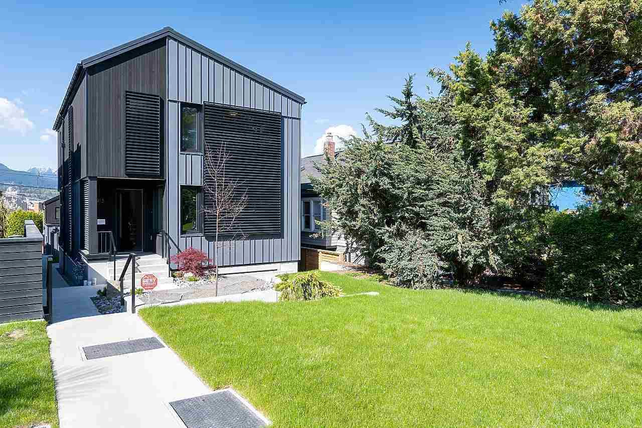 Main Photo: 2913 TRINITY Street in Vancouver: Hastings Sunrise House for sale (Vancouver East)  : MLS®# R2590768