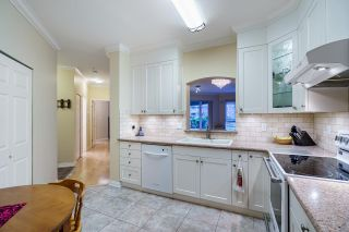 """Photo 8: 124 3098 GUILDFORD Way in Coquitlam: North Coquitlam Condo for sale in """"MARLBOROUGH HOUSE"""" : MLS®# R2555992"""
