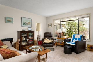 Photo 3: 102 10110 Fifth St in : Si Sidney North-East Condo for sale (Sidney)  : MLS®# 866291